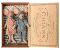 Ratoncitos Papá y Mamá en Caja