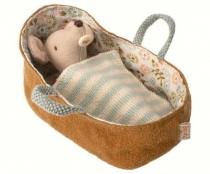 Ratoncito Bebé en Capazo